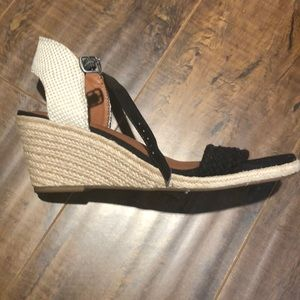 e5a12957a04 Kavelli Lucky Brand Wedges brand new